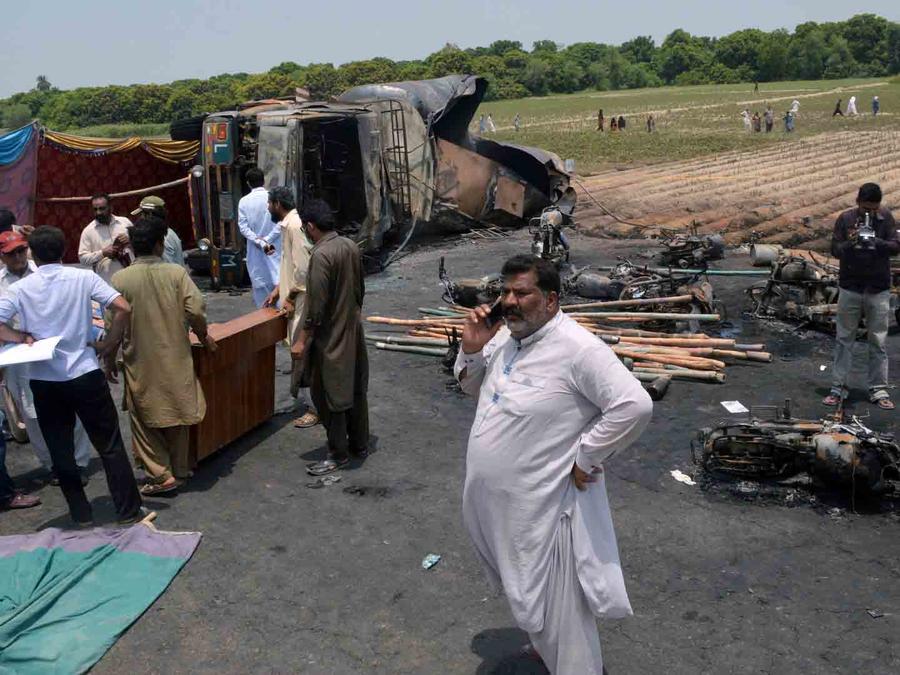 Incendio de camión en Pakistán