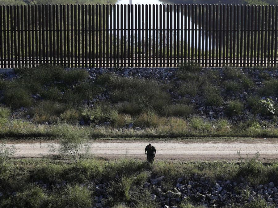 Un agente de fronteras en Hidalgo, Texas, en noviembre de 2016.
