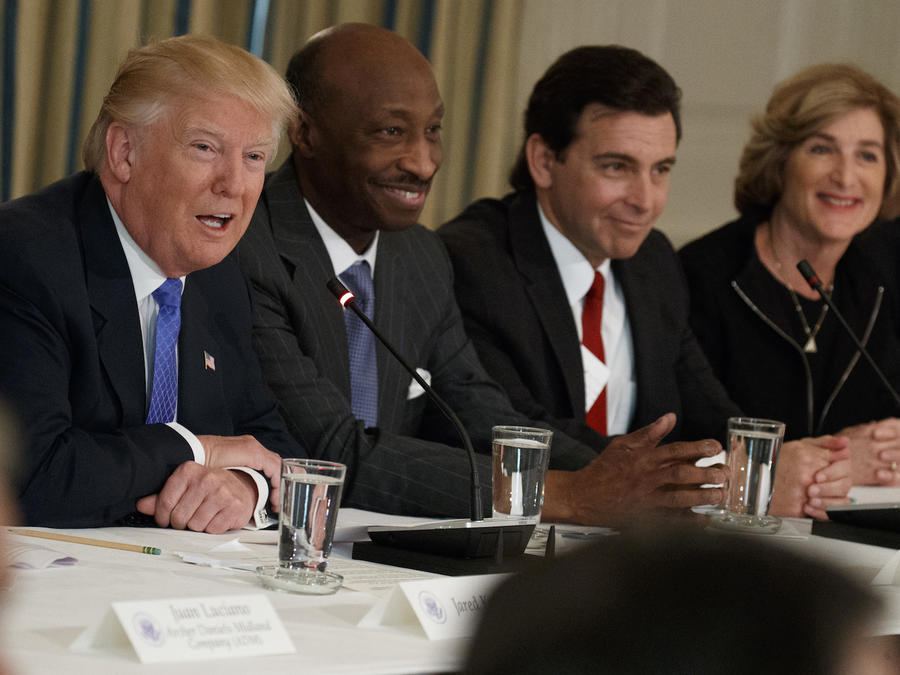 Trump, durante una reunión del Consejo de Fabricantes en la Casa Blanca en febrero.