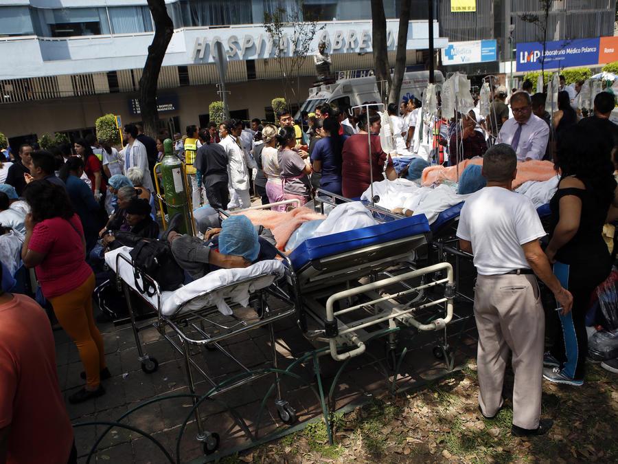 Pacientes evacuados en Ciudad de México.