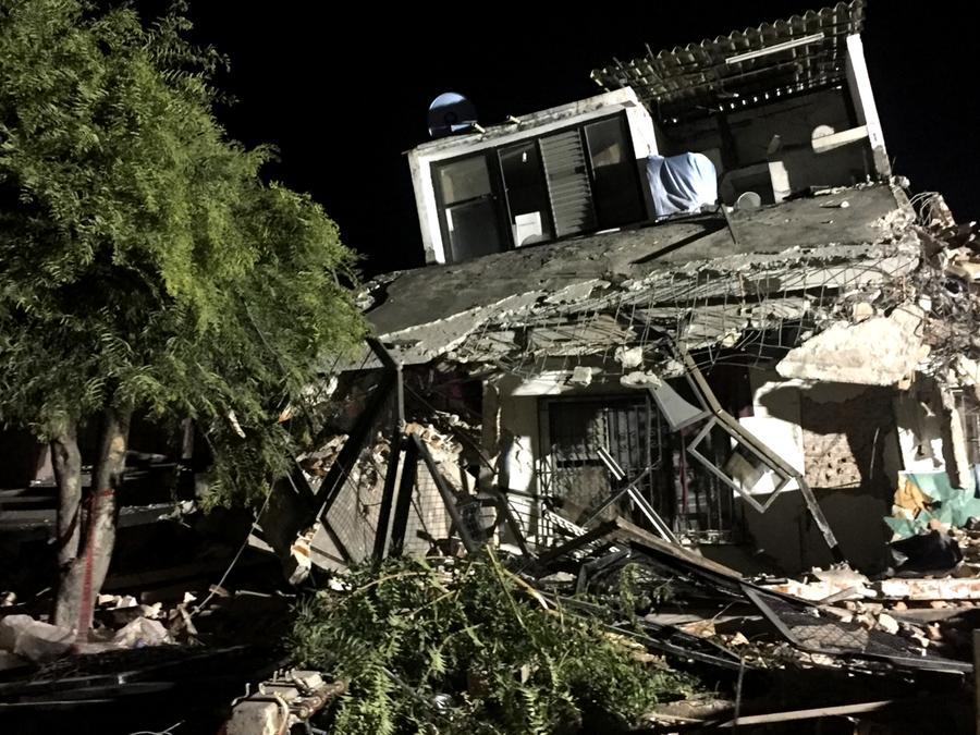 Casa desplomada en la colonia Zapata en Jojutla, Morelos.