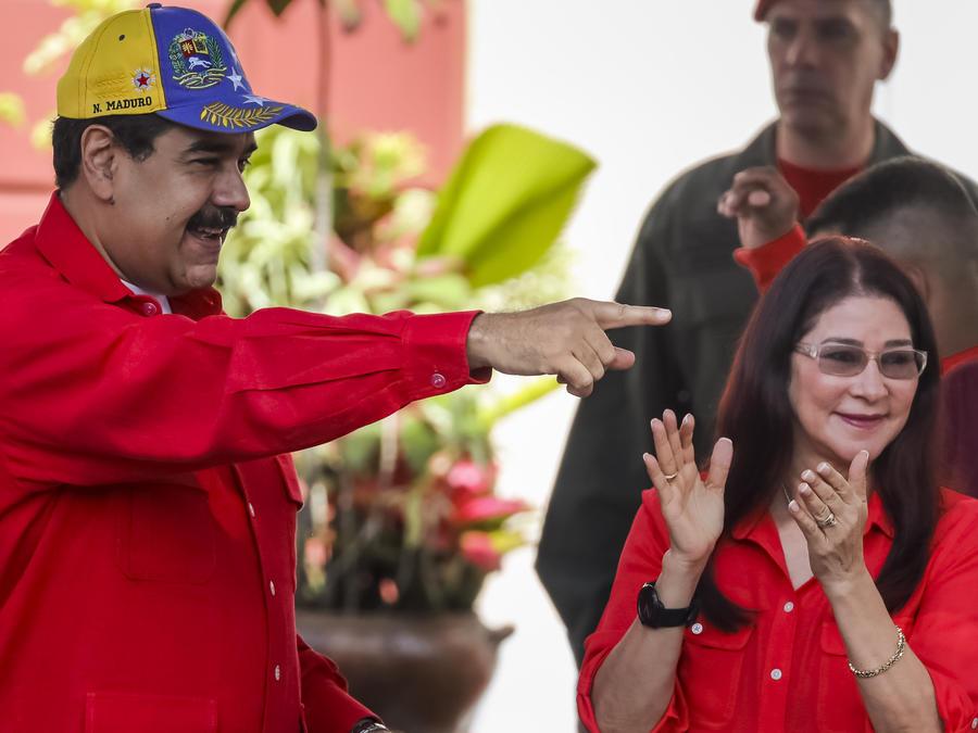 El presidente de Venezuela, Nicolás Maduro, recibe en el Palacio de Miraflores a centenares de sus seguidores