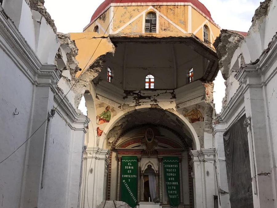 El templo Santiago Apóstol en Atzala, Puebla quedó semi destruido tras el terremoto en México del martes 19 de septiembre del 2017