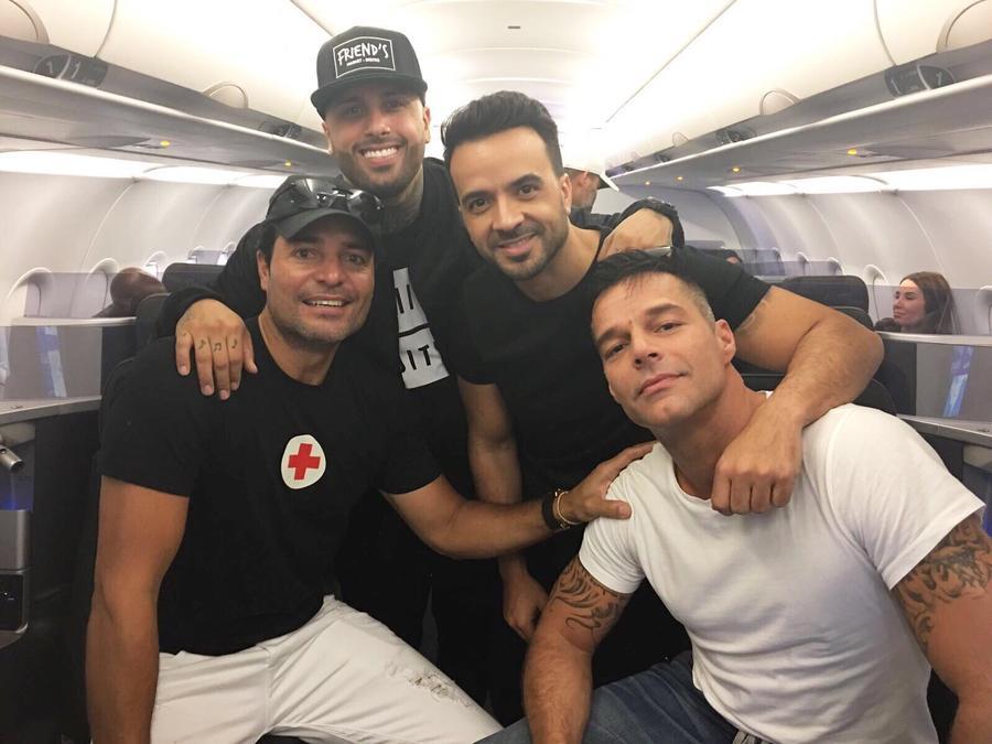 Chayanne, Nicky Jam, Luis Fonsi & Ricky Martin en el avión hacia Puerto Rico
