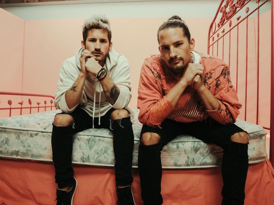 Foto promocional de Mau y Ricky