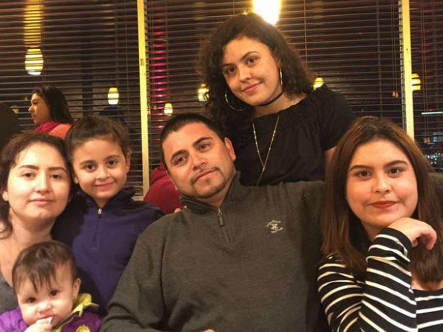 Melecio Andazola y su familia