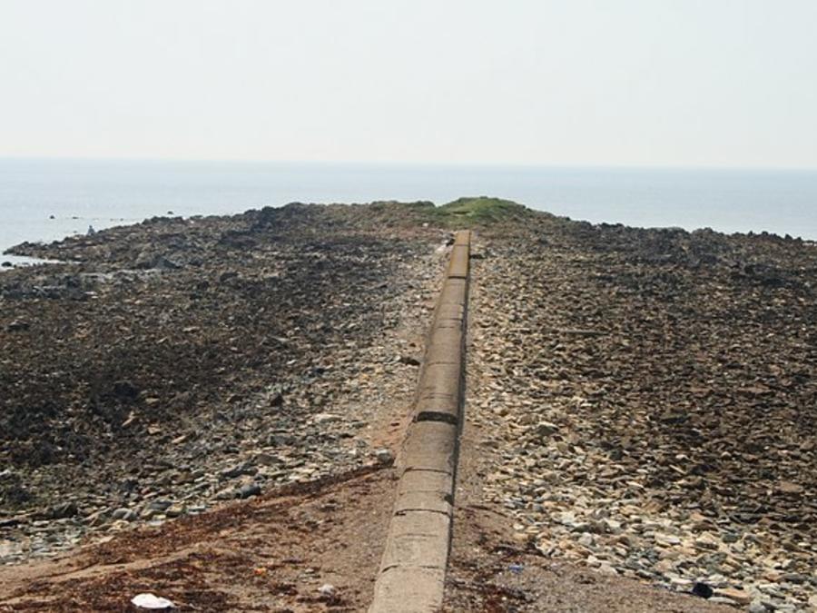 Forlorn Point beach