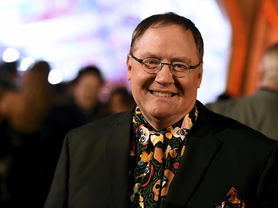 """John Lasseter en la avant premier de """"Coco"""" este noviembre."""