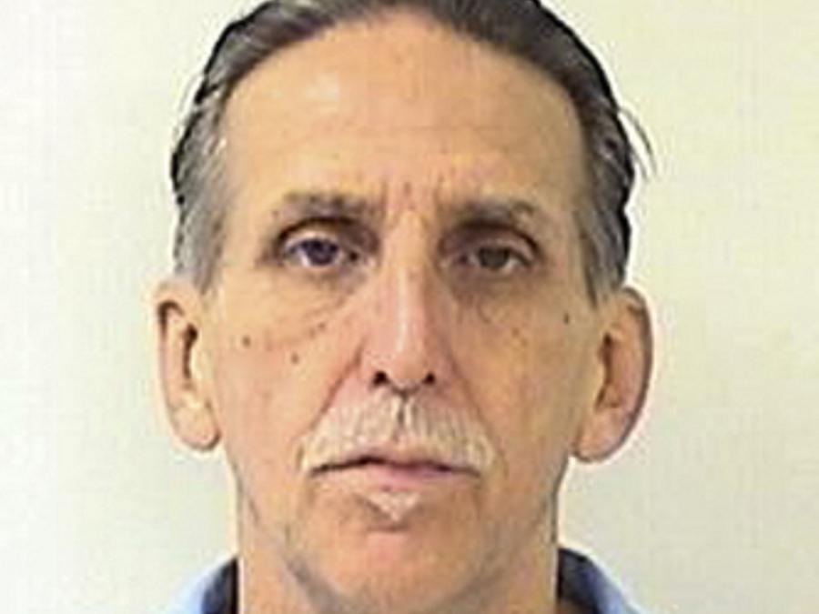 Esta foto sin fecha proporcionada por el Departamento de Correcciones y Rehabilitación de California muestra a Craig Richard Coley.