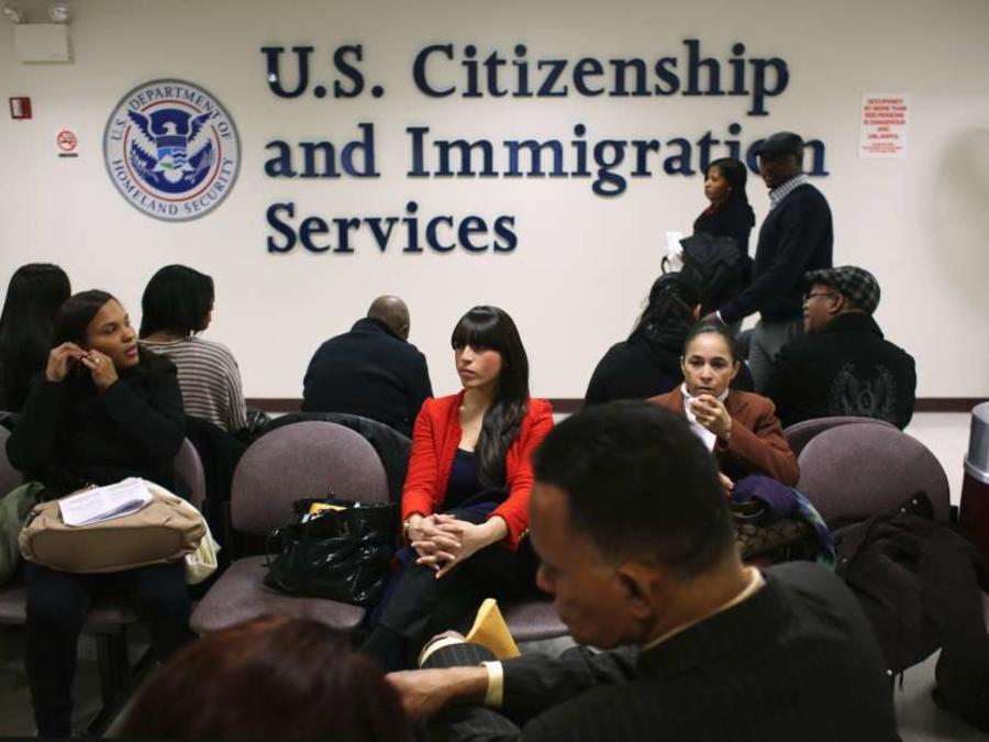 Director de USCIS quiere acabar, al igual que Trump, con la inmigración en cadena