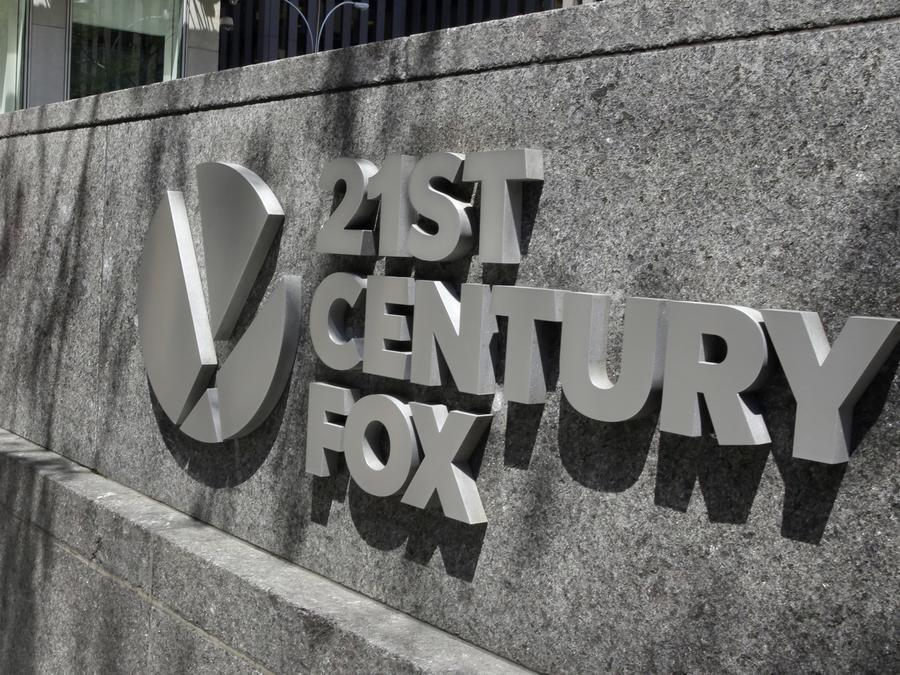 El logo de 21st Century Fox fuera del edificio de la sede de News Corporation en Nueva York.