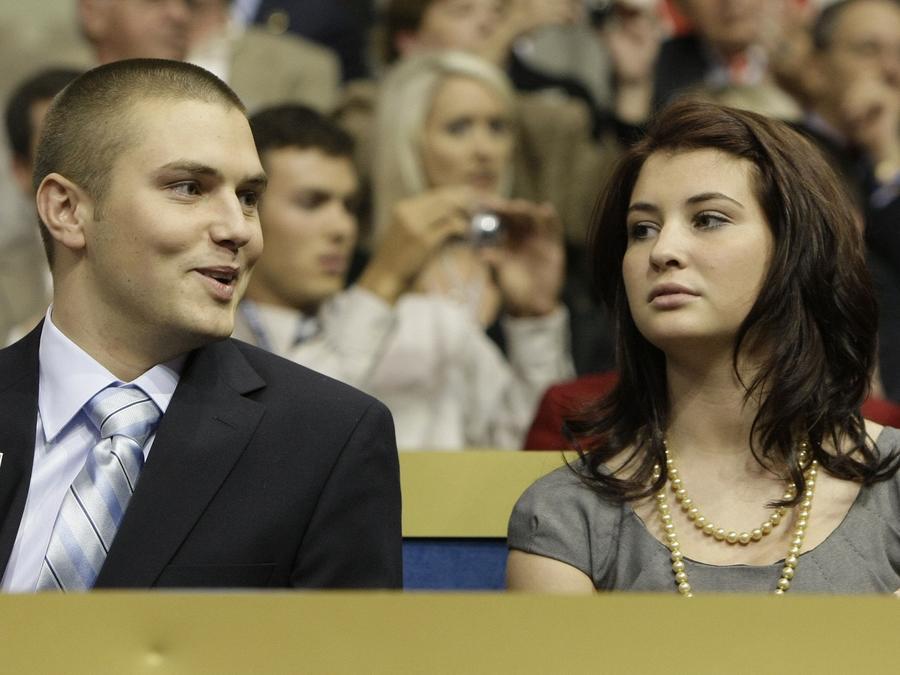 Track Palin (izq) y Piper Palin, los hijos de Sarah Palin una foto tomada en 2008.