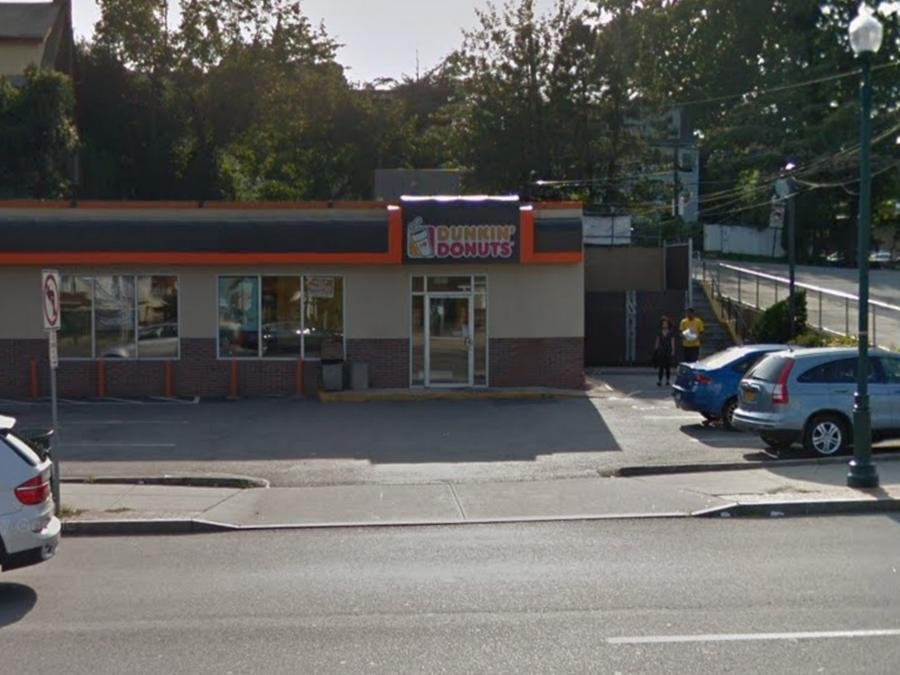 Valaree Megan Schwab fue apuñalada afuera de una tienda de Dunkin' Donuts ubicada en New Rochelle.