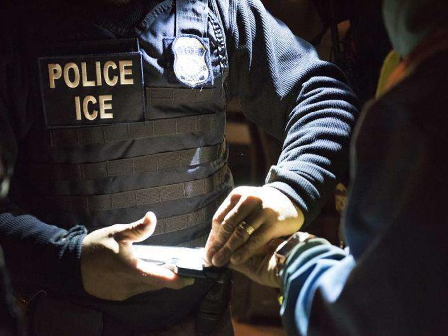 La redadas de ICE seguirán aumentando, informó su director