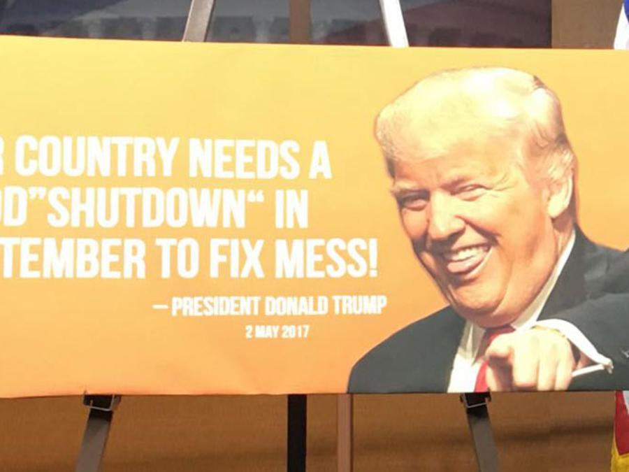 Cartel del presidente Trump sobre el cierre del gobierno de EEUU
