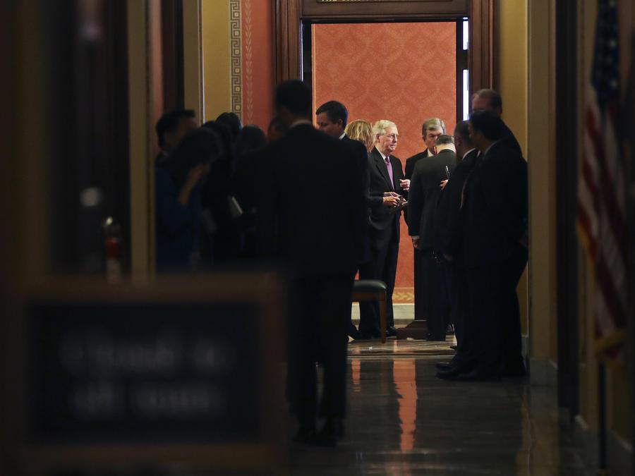 Negociaciones este lunes en el Senado para acabar con el cierre del Gobierno.