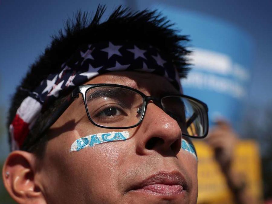 Cada vez hay menos tiempo para salvar a los cerca de 700,000 soñadores amparados con DACA