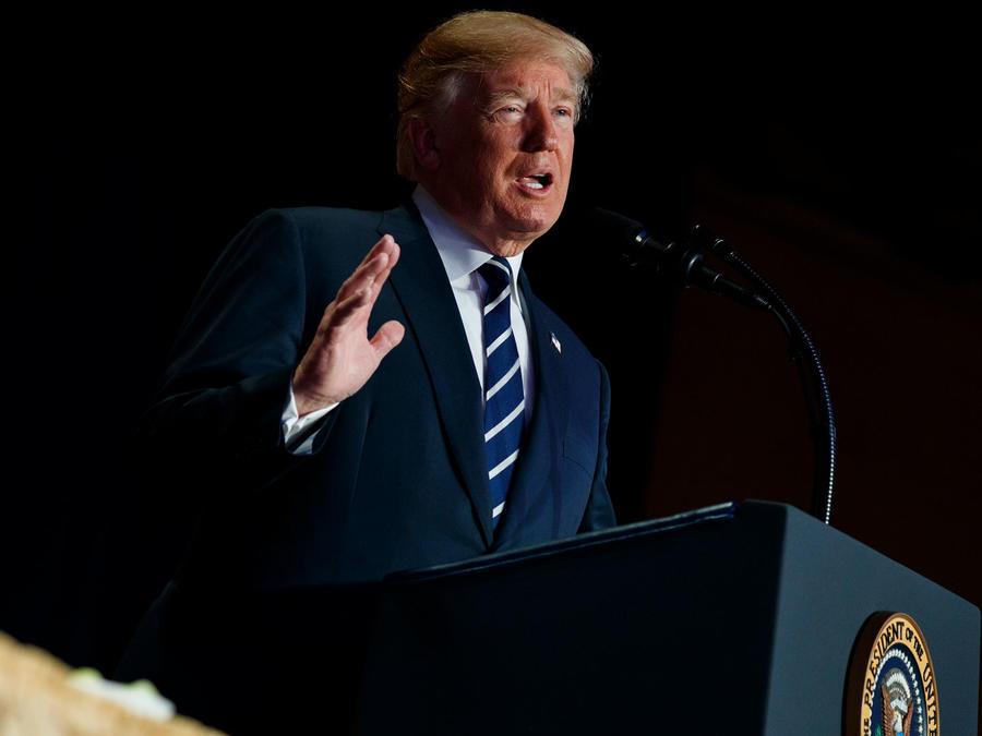 El presidente de EEUU, Donald Trump, en el desayuno de la oración hoy