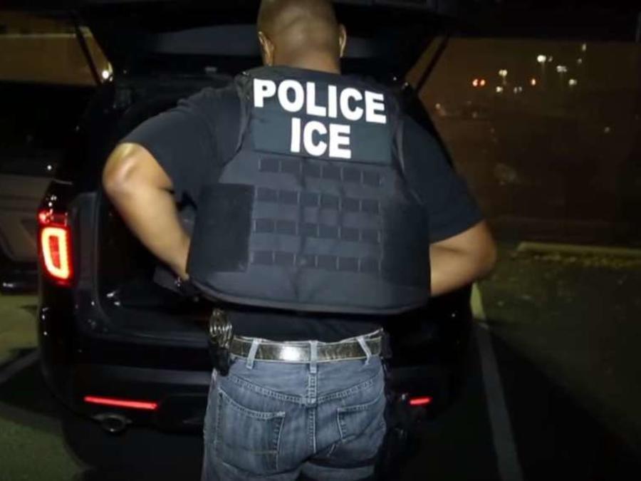 ICE arrestó a 2,834 inmigrantes indocumentados en Boston durante el año fiscal 2017