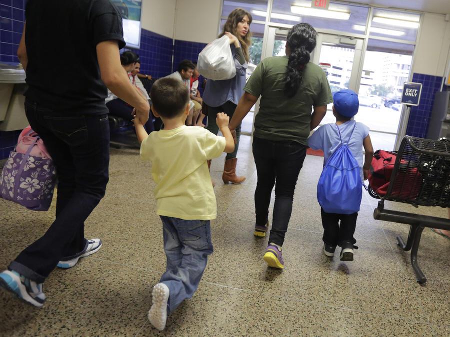 Inmigrantes en un centro de detención de Texas, en una imagen de 2015.