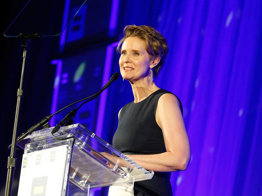 La Campaña por los Derechos Humanos rinde homenaje a Cynthia Nixon con el Premio a la Visibilidad de la HRC en la Gala Gran Nueva York de la HRC de 2018 el sábado 3 de febrero de 2018 en Nueva York. (Imágenes de Jason DeCrow / AP para la Campaña de Derech