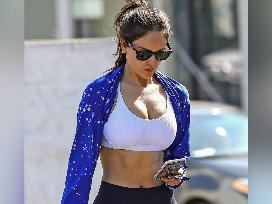 Eiza González en leggings