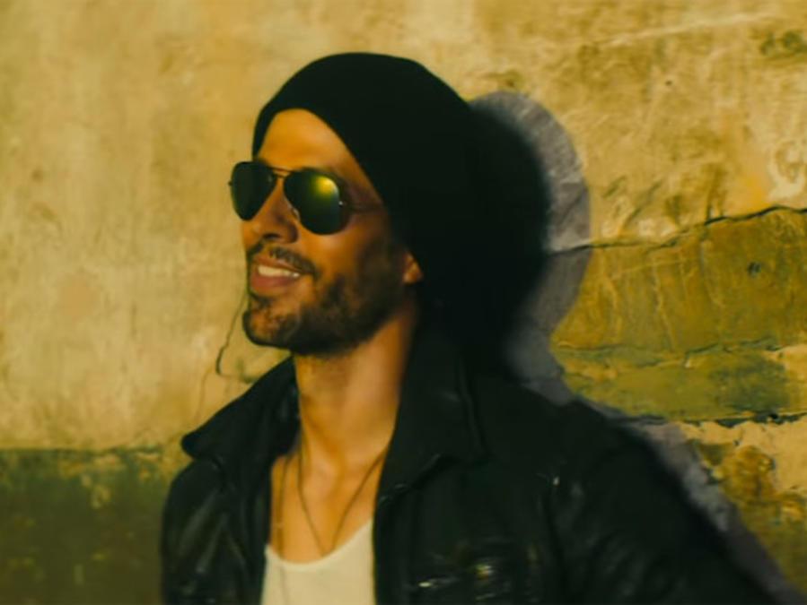 Enrique Iglesias en el video Move to Miami