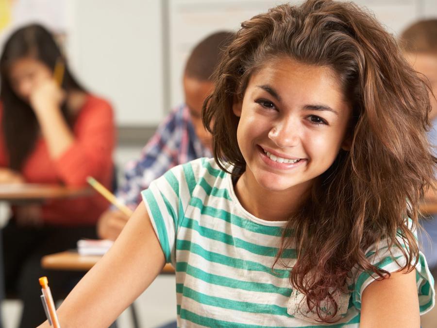 Adolescente en la escuela