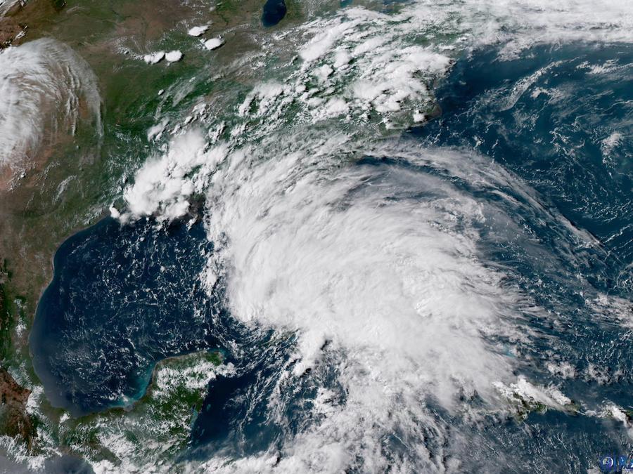 Imagen satelital de la tormenta subtropical Alberto propoecionada por la Administración Nacional Oceánica y Atmosférica (NOOA) el 26 de mayo.