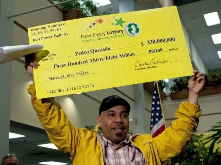 En marzo, Pedro Quezada ganó $338 millones del Powerball.