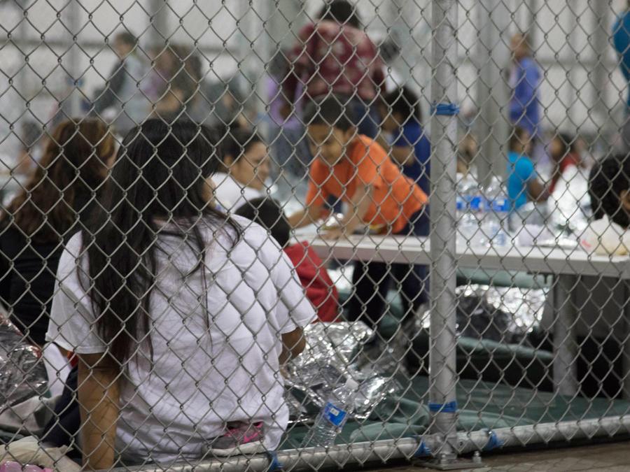 El centro de procesamiento de indocumentados en McAllen, Texas.