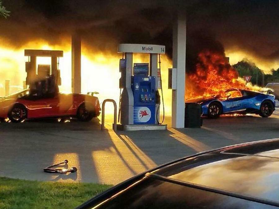 Lamborghini incendiado