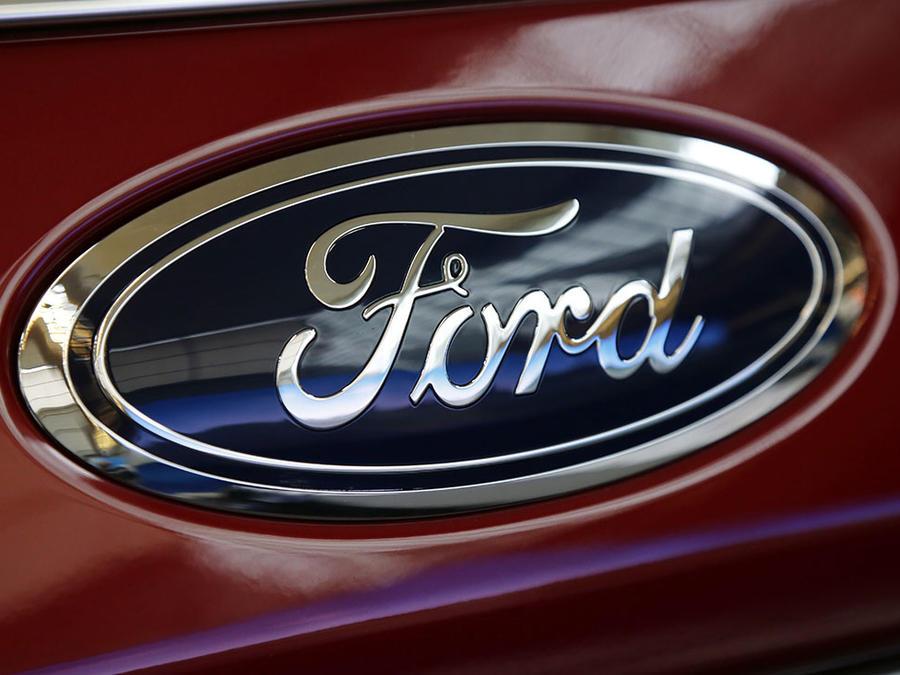 La empresa automotriz Ford llama a revisión a miles de vehículos.