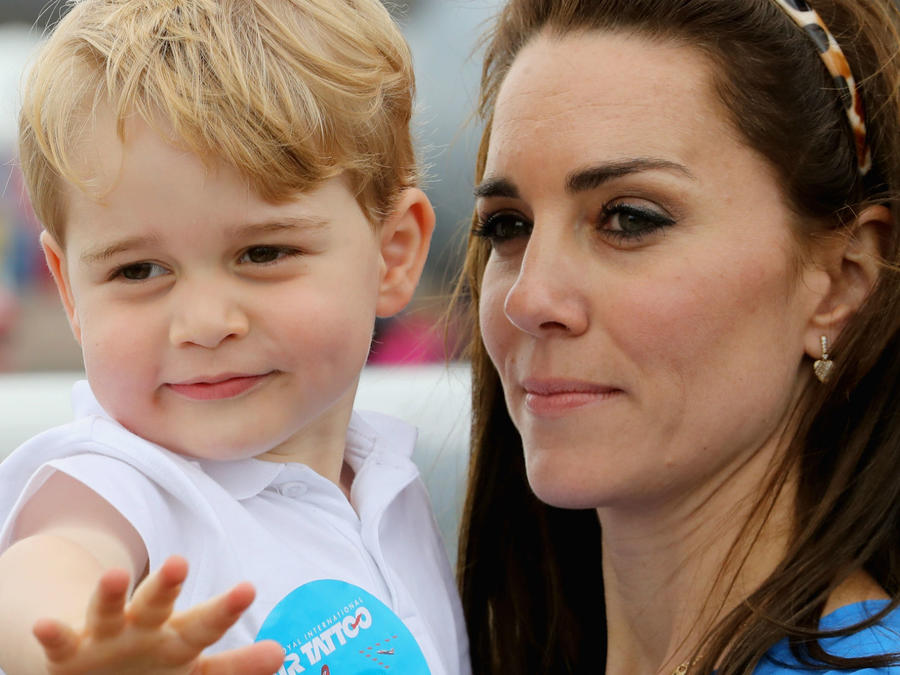 Principe George con Kate Middleton en 2016