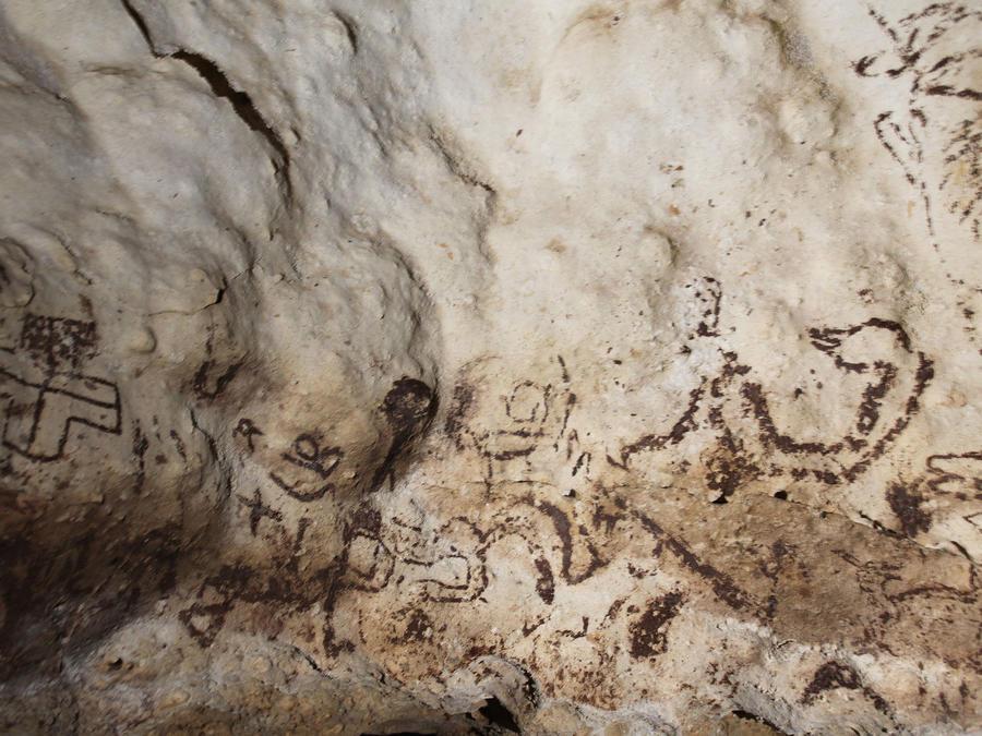 Importantes pinturas rupestres halladas en una cueva de Yucatán
