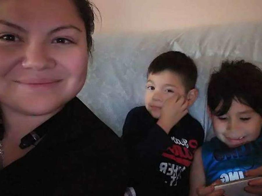 Alicia Moya, una madre de dos pequeños fue detenida por la Poilicía de Las Vegas