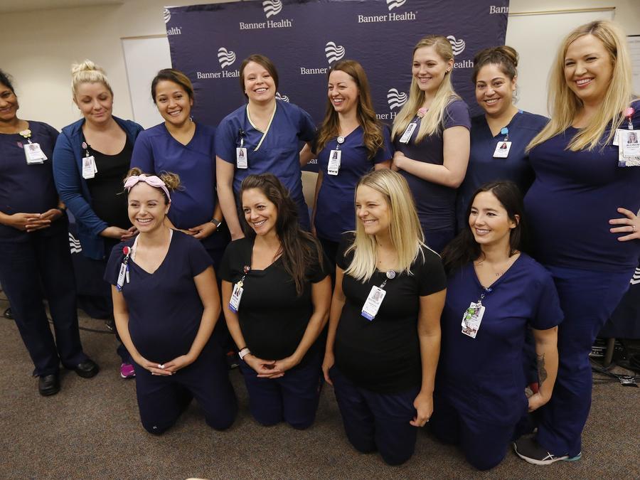 16 enfermeras embarazadas a la vez en Banner Desert Medical Center en Mesa, Arizona