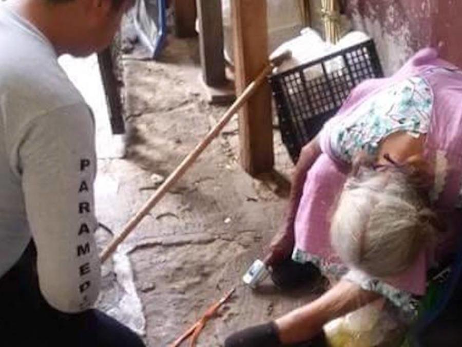 Juana Santiago Chávez, de 85 años de edad, murió sentada en el mercado de la Villa de Etla, en Oaxaca.