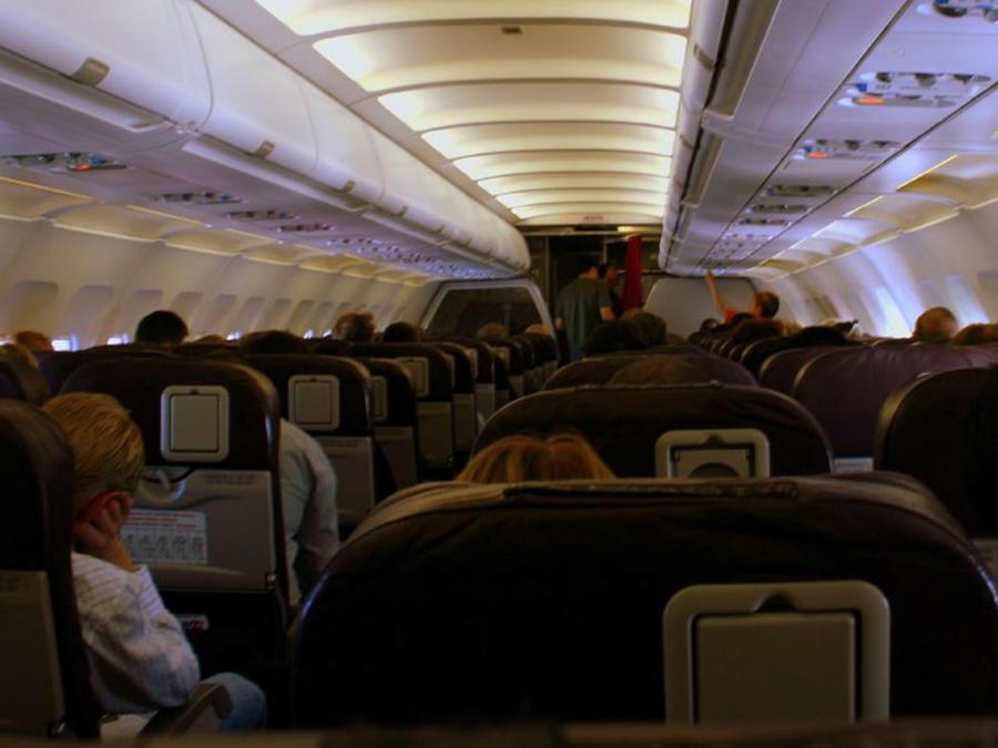 Foto de archivo de la cabina de un avión