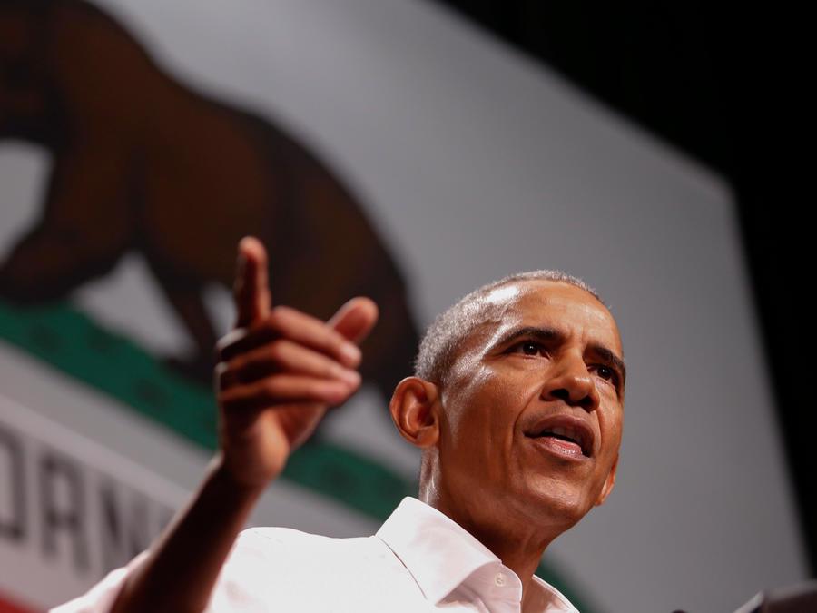 El ex presidente de EEUU Barack Obama en un mitin a favor de los candidatos demócratas para las elecciones de medio término de noviembre en California