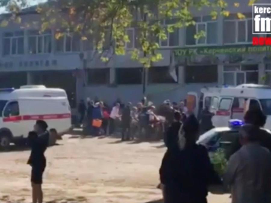 Imágenes tomadas por la televisión del instituto donde se produjo el atentado mortal en Crimea