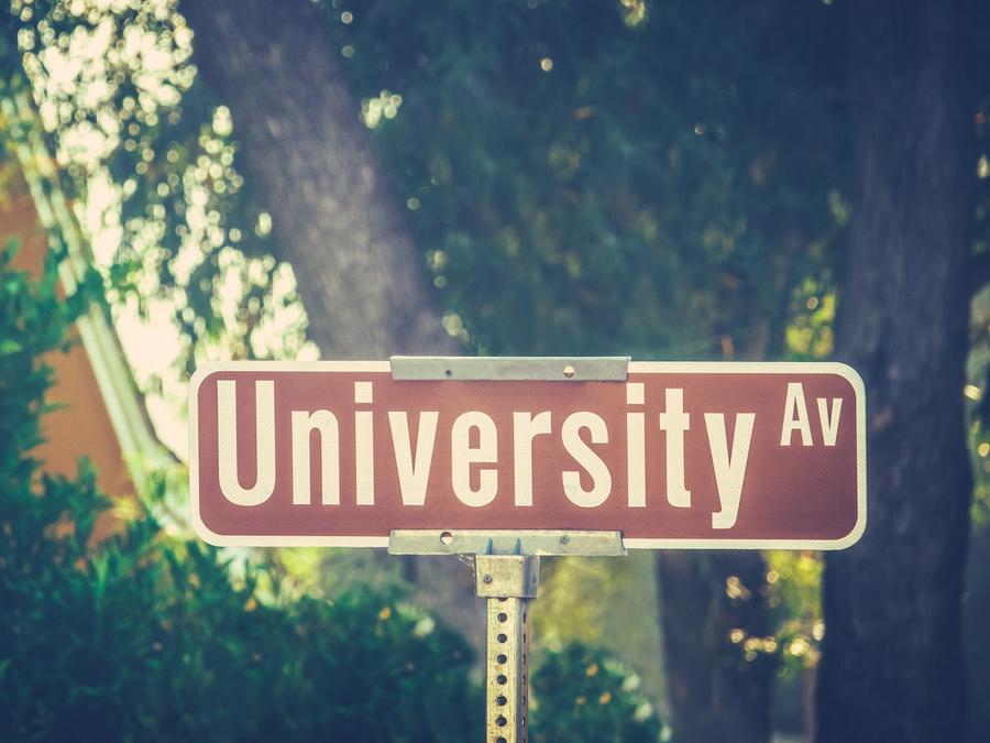 Cartel de Avenida Universidad
