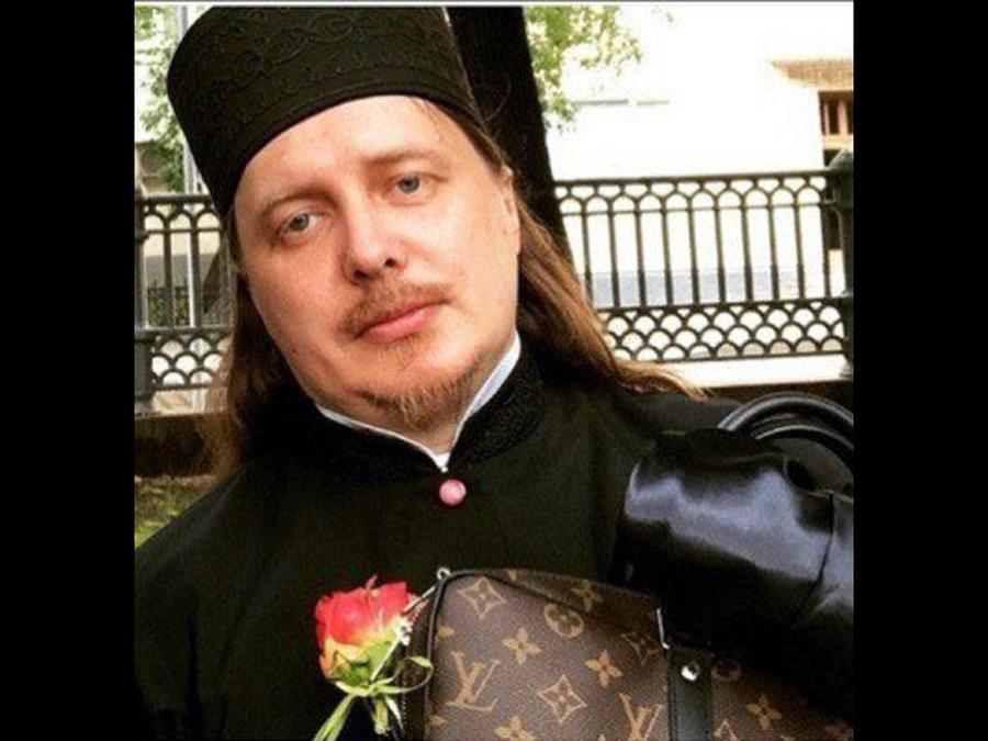 Este es el sacerdote ruso que vivía entre lujos