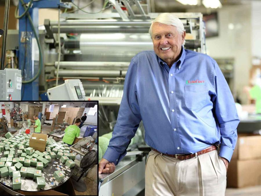 Lee Schoenherr, dueño de la empresa