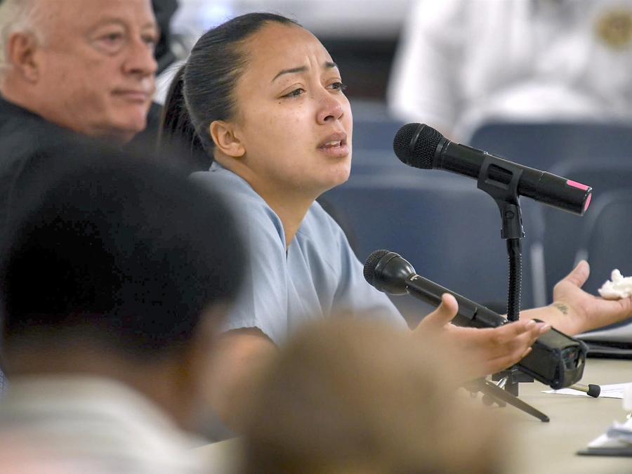 Cyntoia Brown comparece ante el tribunal durante su audiencia de clemencia en la prisión para mujeres de Tennessee en Nashville, Tennessee, el 23 de mayo de 2018. Lacy Atkins / AP