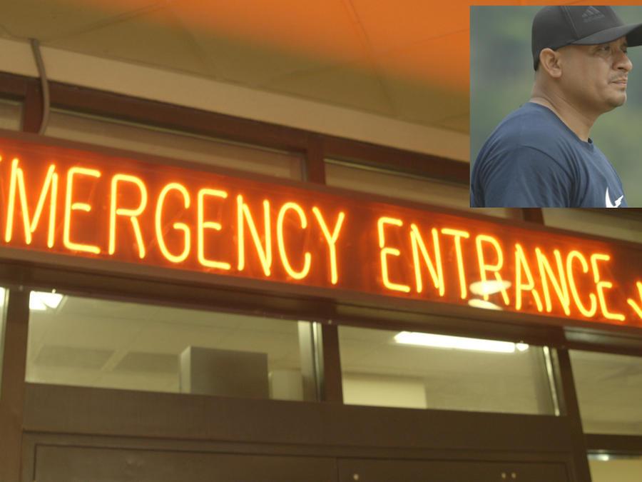 Imagen de archivo de la entrada de emergencias del hospital. A la derecha, Alejandro Pérez, en su pueblo en México.