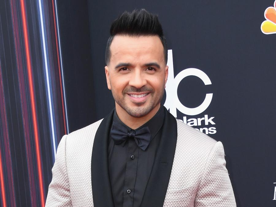 Luis Fonsi attends the 2018 Billboard Music Awards
