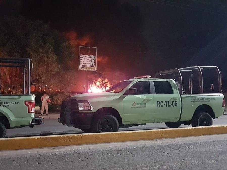 Fotografía del lugar donde explotó una toma clandestina de combustible en Tlahuelilpan, Hidalgo