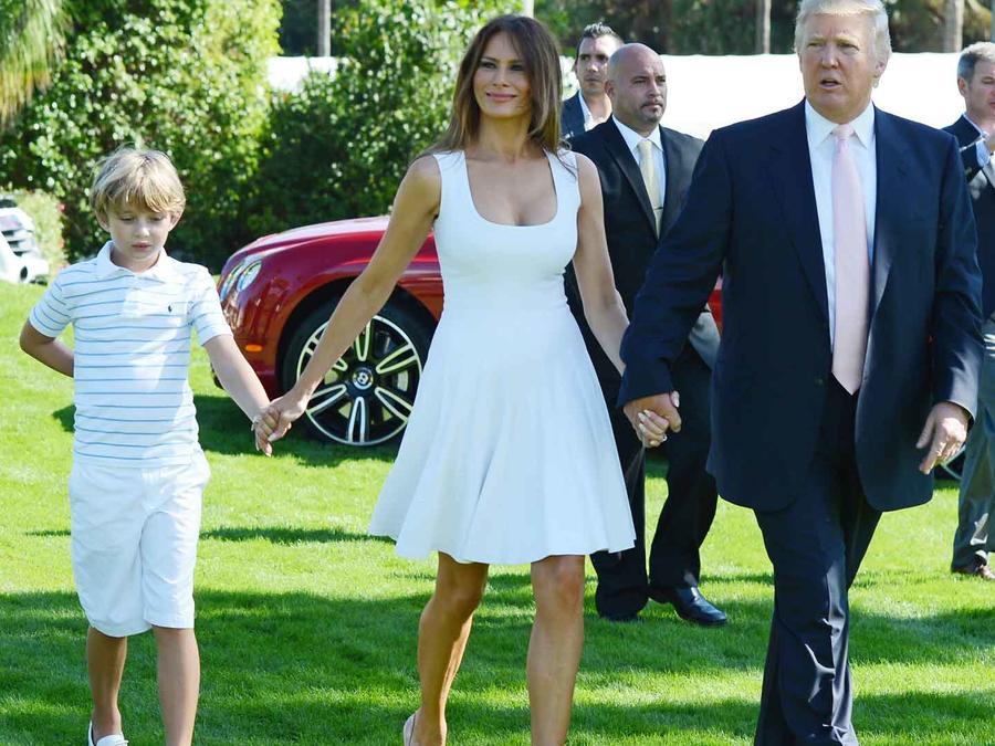 Foto de archivo de Donald Trump, Melania y Barron.