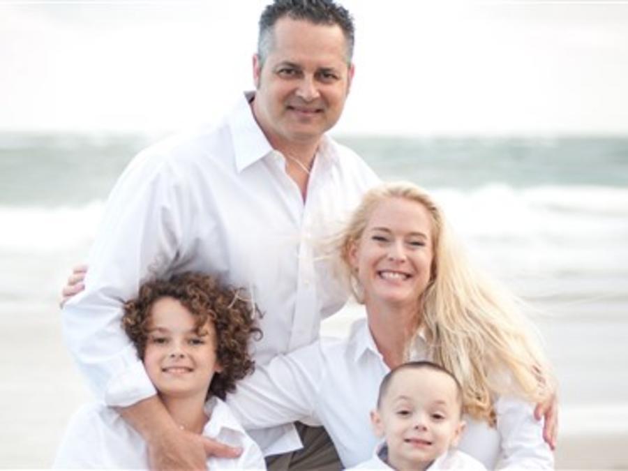 Shawn Sherlock y su familia